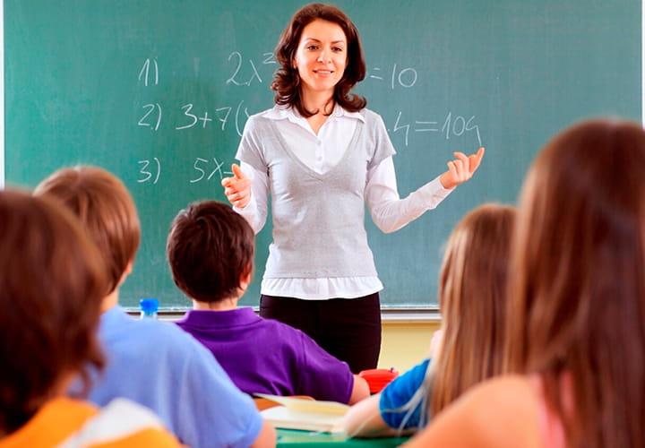 Минобрнауки хочет проверить преподавателей на знание родного языка и математики.